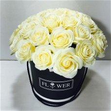 פרחי סבון בקופסת פרחים